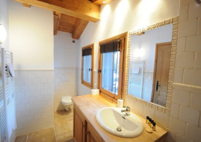 06 Morgan Jupe Luxury Catered Ski Chalets Morzine - Chalet de mes Rêves - Interior - Bathroom 2.1