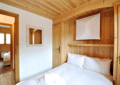 08 Morgan Jupe Luxury Catered Ski Chalets Morzine - Chalet de mes Rêves - Interior - Bedroom 3.2