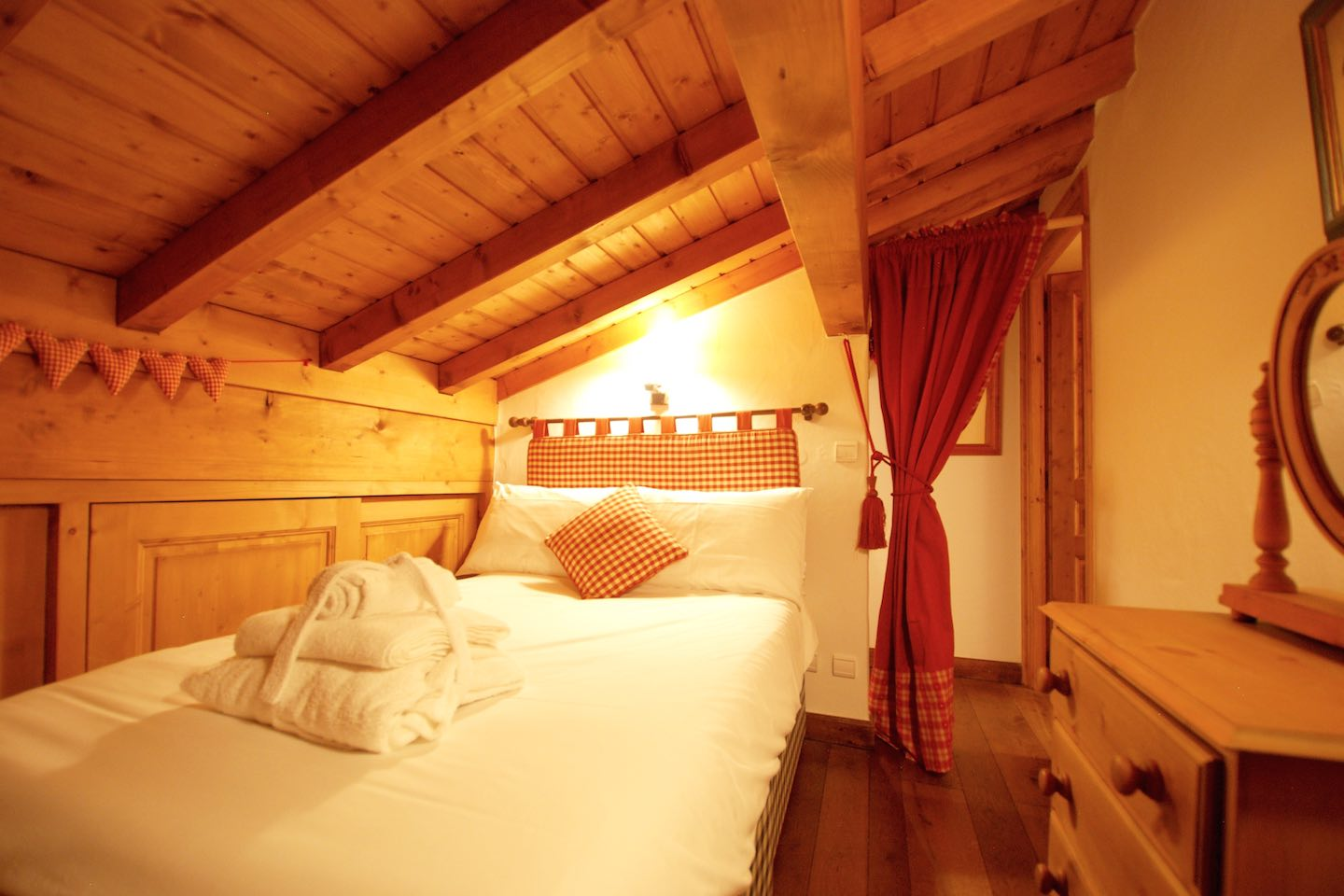 Chalet de mes Rêves - Bedroom Two