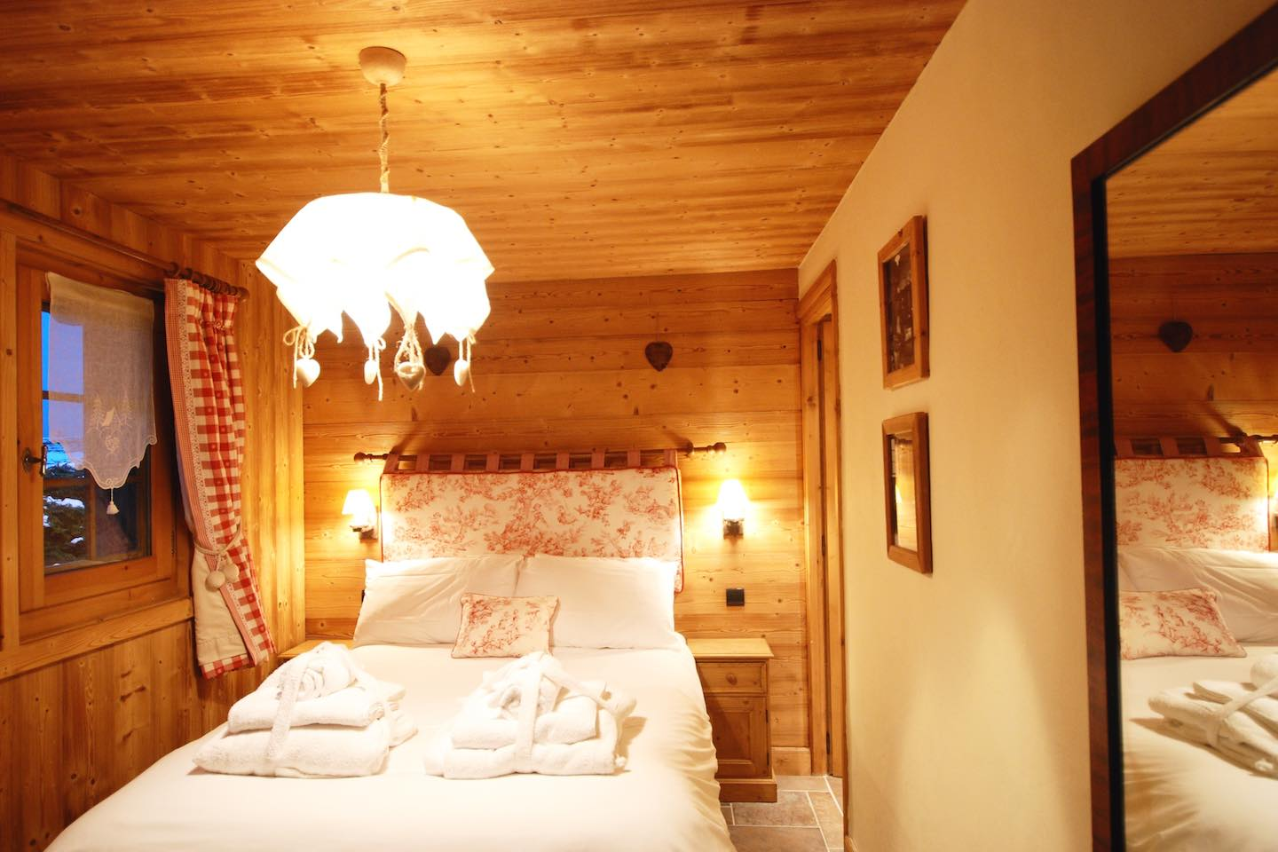 Morgan Jupe - Chalet Chardon - Bedroom 5