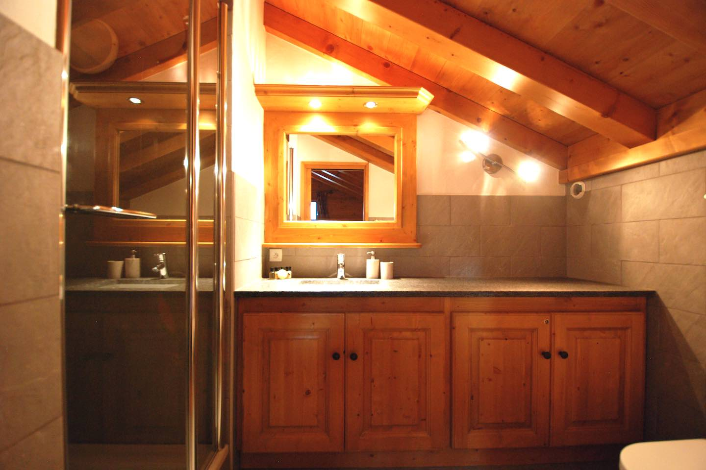 Morgan Jupe - Chalet des Amis - Bathroom 1