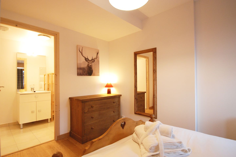 Morgan Jupe - Apartment Florimont - Bedroom 1 - 02 (low res)