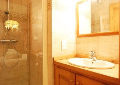 Chalet Chardon - Bathroom Three