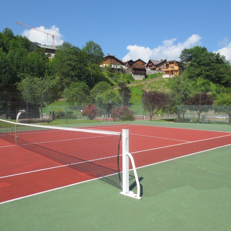 Morgan Jupe Luxury Catered Ski Chalets Morzine - Summer - Tennis (1)